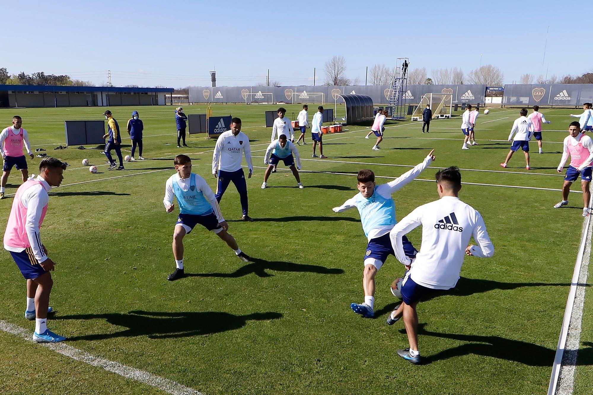 La vuelta del fútbol, más cerca: la AFA autorizó los amistosos de preparación