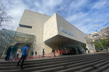 """""""Leverage"""", el subibaja en la explanada del Malba, que reabrirá el jueves 5 de noviembre"""