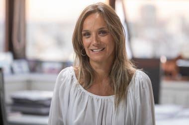 """Malena Galmarini, titular de AySA, defiende la venta de Edenor a un grupo de empresarios cercanos a su esposo. Sostiene que es mejor que los compradores sean argentinos y no multinacionales. """"Después no tenés cómo discutir la suba de tarifas, las inversiones"""", dice."""