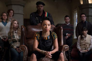 Logan Browning como Samantha White, en Dear White People