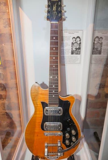 La guitarra Maton Mastersound MS-500 que Harrison tocó en 1964, saldrá a subasta en septiembre