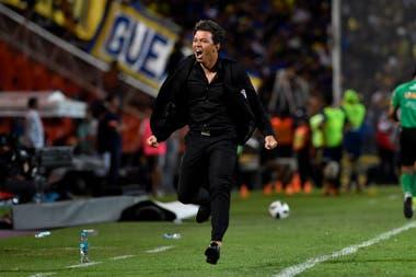 El director técnico de River, Marcelo Gallardo, durante el encuentro que el Millonario disputó frente a Boca en Mendoza, el 14 de marzo de 2018