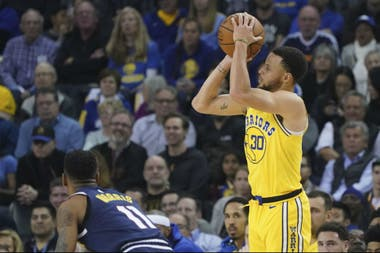 El lanzamiento de Stephen Curry, un sello de la NBA