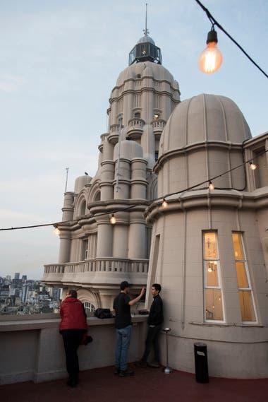 Vista de la cúpula y el faro del Palacio Barolo, desde la terraza del piso 16
