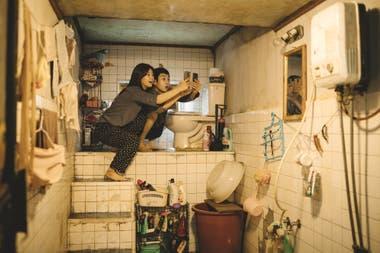 Bong Joon-ho aclara que quiere que sus películas provean una sensación de excitación cinematográfica; con personajes fascinantes antes que grandes temas políticos.