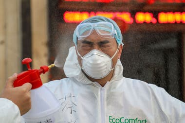 En total más de 24 países y regiones registran infectados, que ya son más de 20 mil