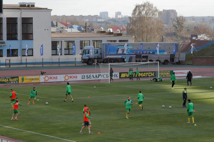 Activa la liga de fútbol, continúan también los entrenamientos.