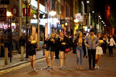 La vida nocturna en Liverpool, Gran Bretaña