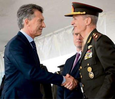 Pasqualini acompañó anteayer al Presidente en la celebración del Día del Ejército