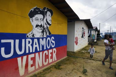"""El presidente electo propuso """"corregir"""" el pacto con la guerrilla, que reclamó que su opinión sea tenida en cuenta y alertó sobre un posible resurgimiento de la violencia"""