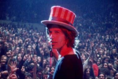 Mick Jagger en Gimme Shelter, documental trágico sobre la muerte de un período.
