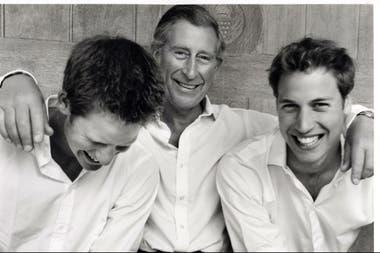 Carlos, junto a sus hijos