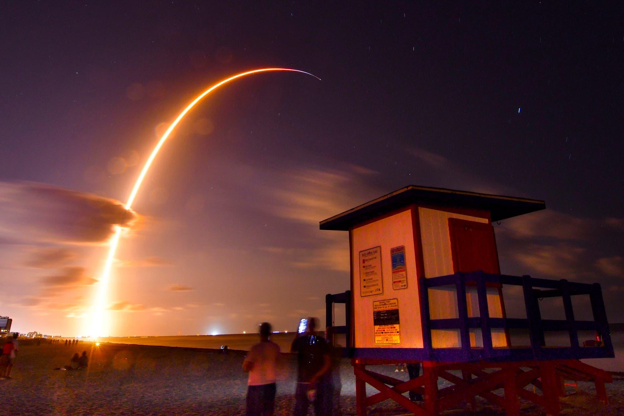 Elon Musk ahora tuitea usando su propia red de satélites StarLink