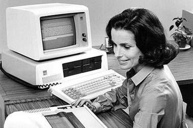 Como ocurrió con VisiCalc y la Apple II, gracias a un software de hojas de cálculo la IBM PC 5150 pudo ser un éxito en el mercado