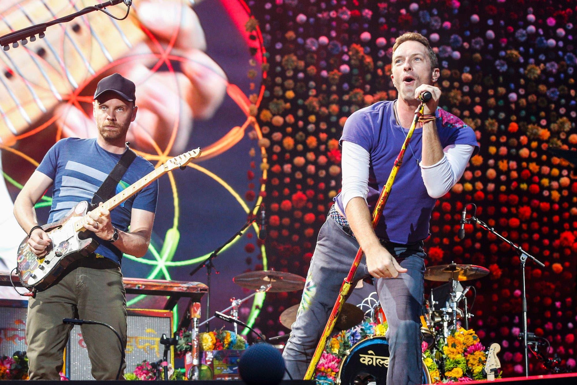 """El método Coldplay: la manera """"vintage"""" con la que anunciaron sus novedades"""