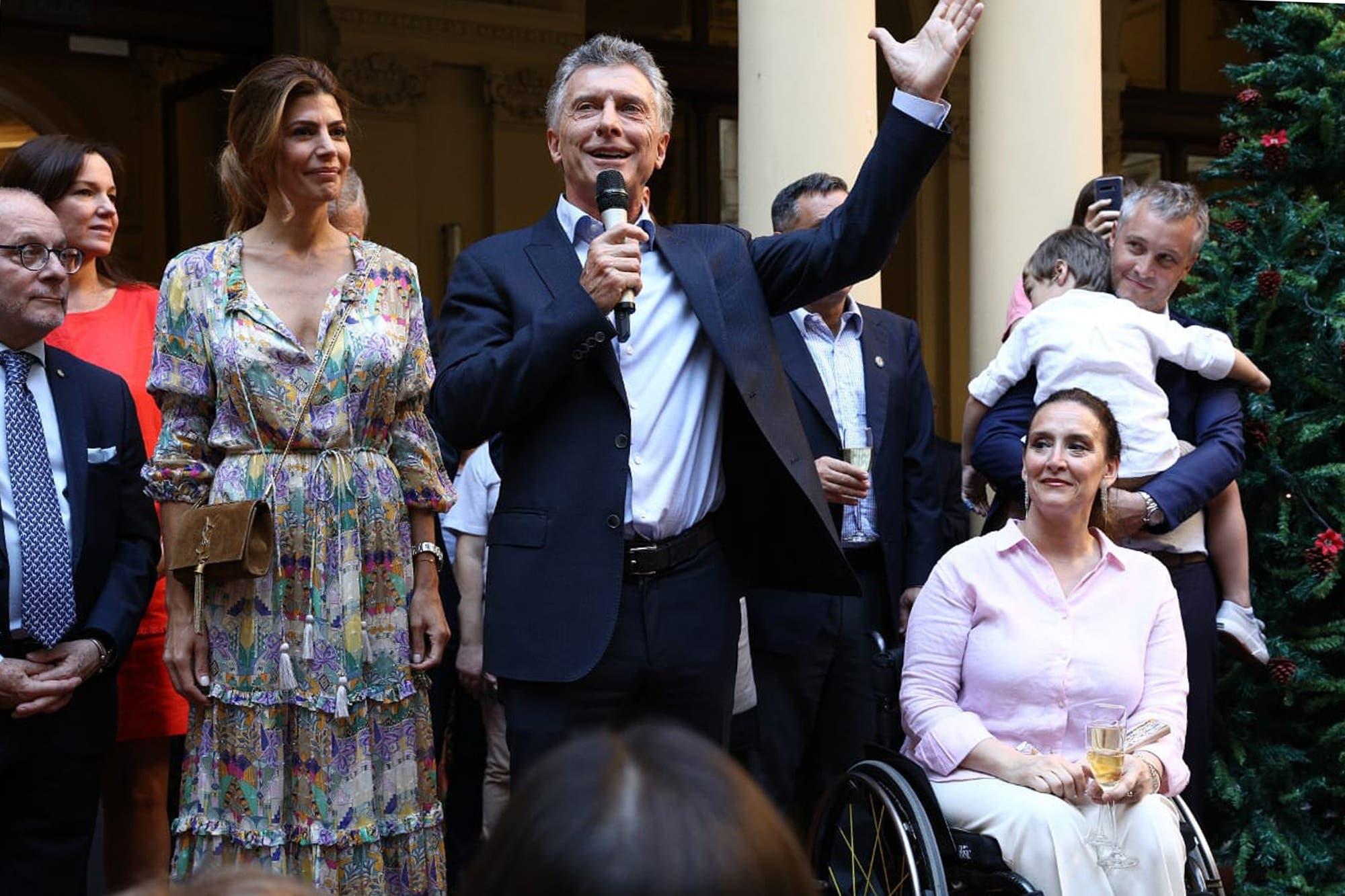 La despedida: Macri partió de la Casa Rosada, la última vez como presidente