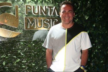 Cristian Castro también decidió pasar por Punta del Este y no pudo evitar disfrutar de la noche