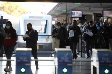 El tren Sarmiento interrumpe el servicio desde las 21 por la activación del protocolo sanitario por Covid-19