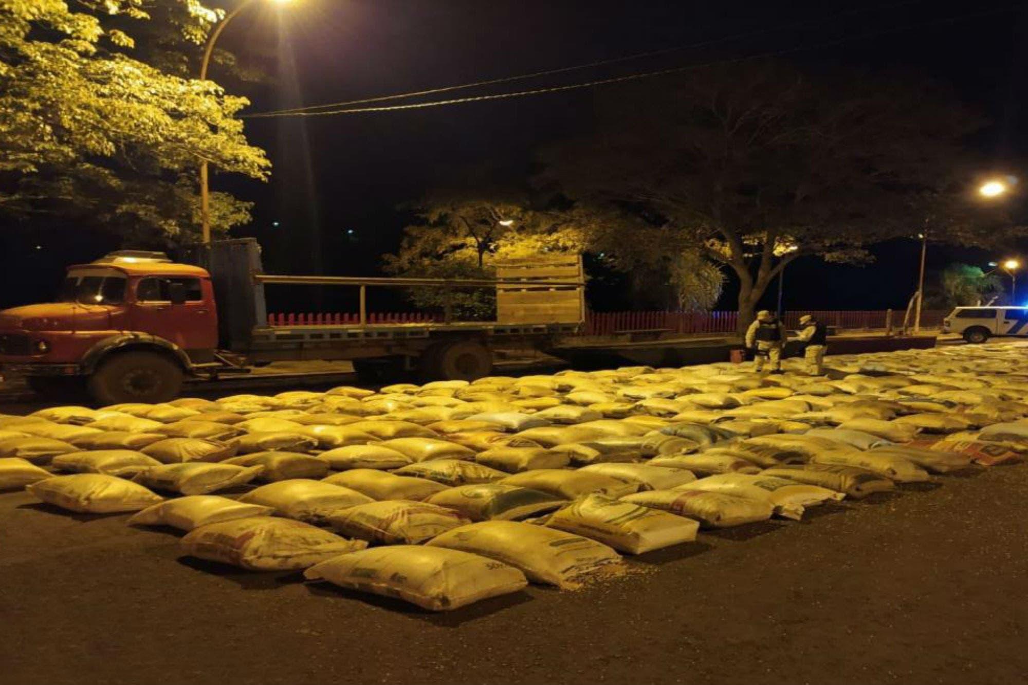 Prefectura frustró un contrabando de 17 toneladas de soja a Brasil ...