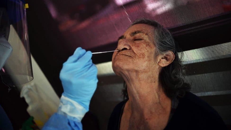 Coronavirus en la Argentina. En 10 días y sin testeo, el nuevo criterio para agilizar el alta de casos leves