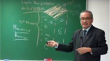 El profesor Juan Francisco Baldeón ha impartido clases de derecho minero y derecho ambiental desde 2003.