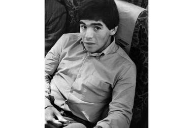 Aldo Sessa retrató A Maradona en 1979, en un avión camino a la Copa Mundial de Fútbol Juvenil que lo consagraría en Japón