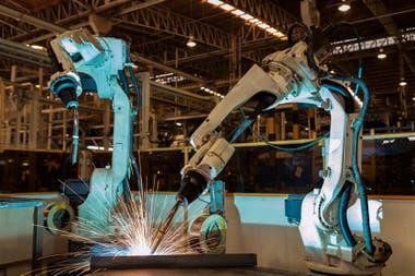 Los trabajos que se pueden automatizar a bajo costo son los que corren más peligros
