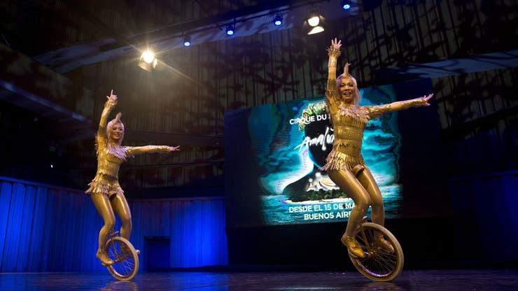 Dos artistas de Amaluna, durante la breve presentación que realizó el Cirque el año pasado