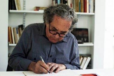 Ricardo Piglia había respondido a la consulta sobre cómo se maneja la ansiedad de trabajar en una novela durante más de una década