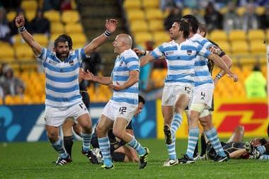 El festejo de los Pumas tras vencer a Escocia en el Mundial 2011