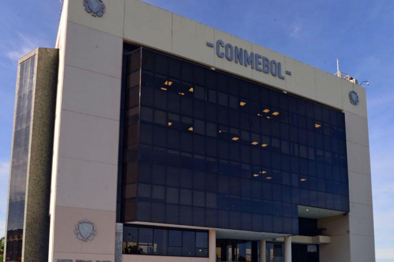 Conmebol definió fechas: cómo será el calendario de las eliminatorias y cuándo jugará River la Recopa