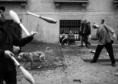 """Julio de 2018. Protesta frente a la Legislatura porteña, bajo la consigna """"El arte callejero no es delito"""", contra el proyecto de Ley 1664-J-18 impulsado por Horacio Rodríguez Larreta, que prevé la modificación del Código Contravencional"""