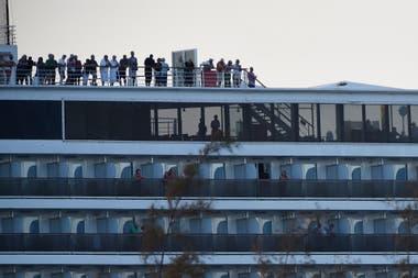 El caso del Westerdam tuvo lugar después de que las autoridades japonesas pusieran en cuarentena a otro crucero, el Diamond Princess, donde al menos 218 de sus 3.700 personas a bordo han dado positivo por el coronavirus