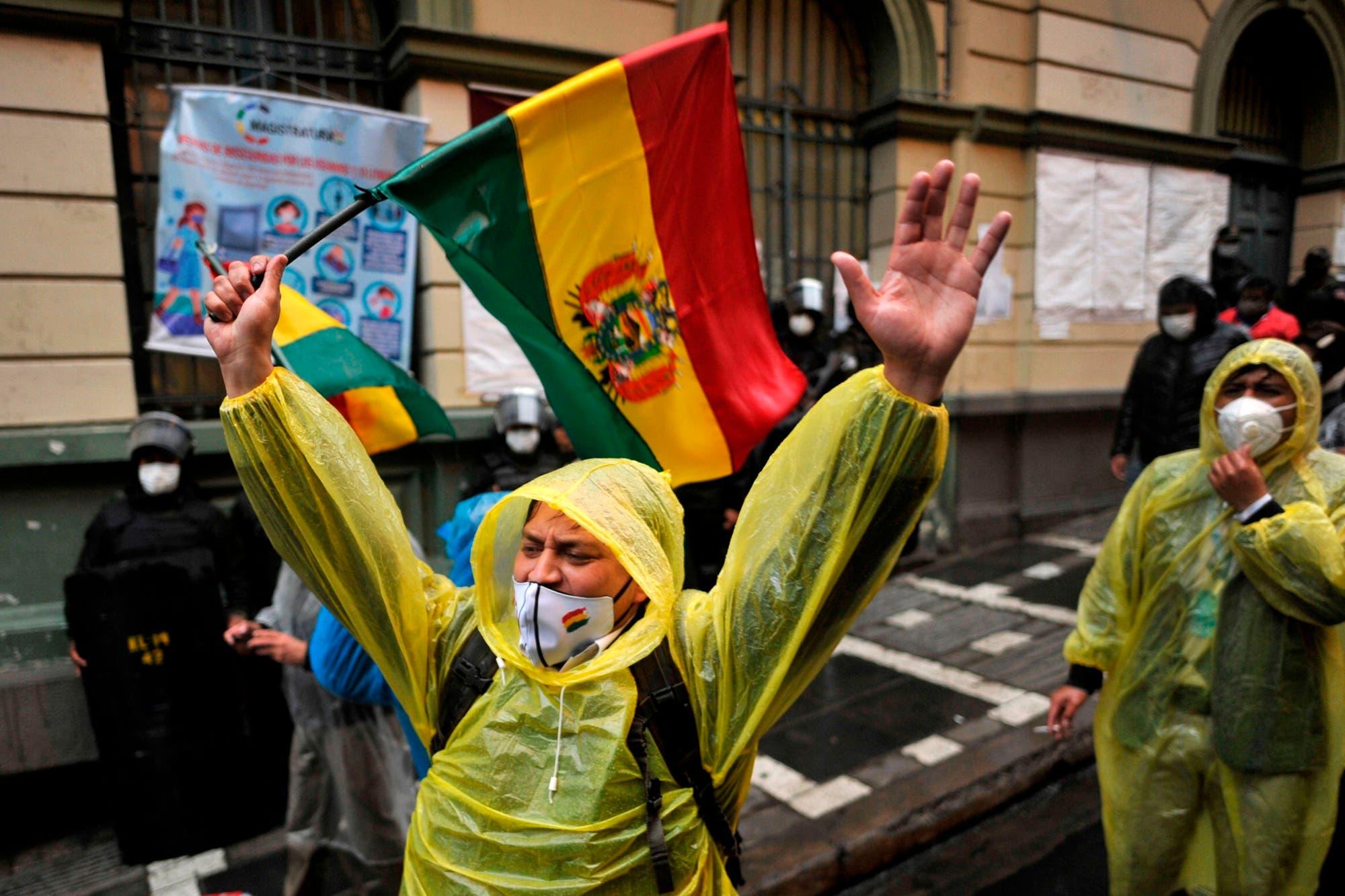 Elecciones: a un año de la salida de Evo, su partido busca recuperar el poder en Bolivia
