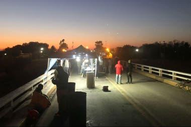 Anoche, productores en Desaguadero, Mendoza