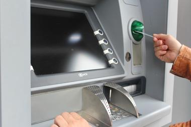 Debido a la celebración del Día del Bancario, el próximo viernes 6 de noviembre no abrirán las entidades, aunque se podrán utilizar los cajeros automáticos y realizar trámites online