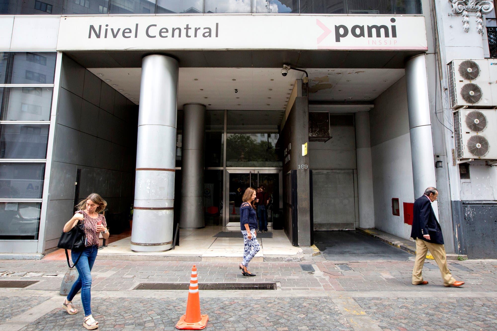 Efecto dólar: los laboratorios rescindieron el acuerdo firmado en marzo con el PAMI
