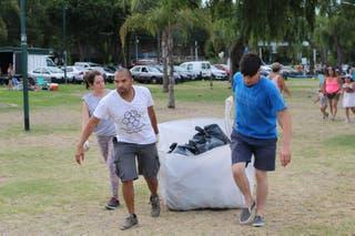 Resultado de imagen para dos jornadas de limpieza del río por alumnos de escuelas locales
