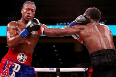 Patrick day recibe un golpe de izquierda de su rival en la pelea fatal