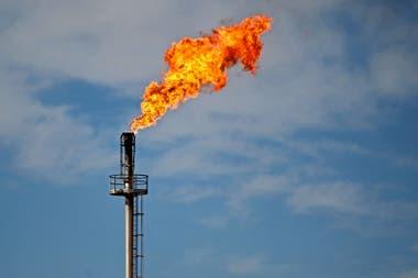 En el caso de la energía, señaló Aguiar, el hecho de que las compañías del segmento se comprometan con inversiones a largo plazo en los países donde ingresan requiere condiciones macro para atraer a esos capitales