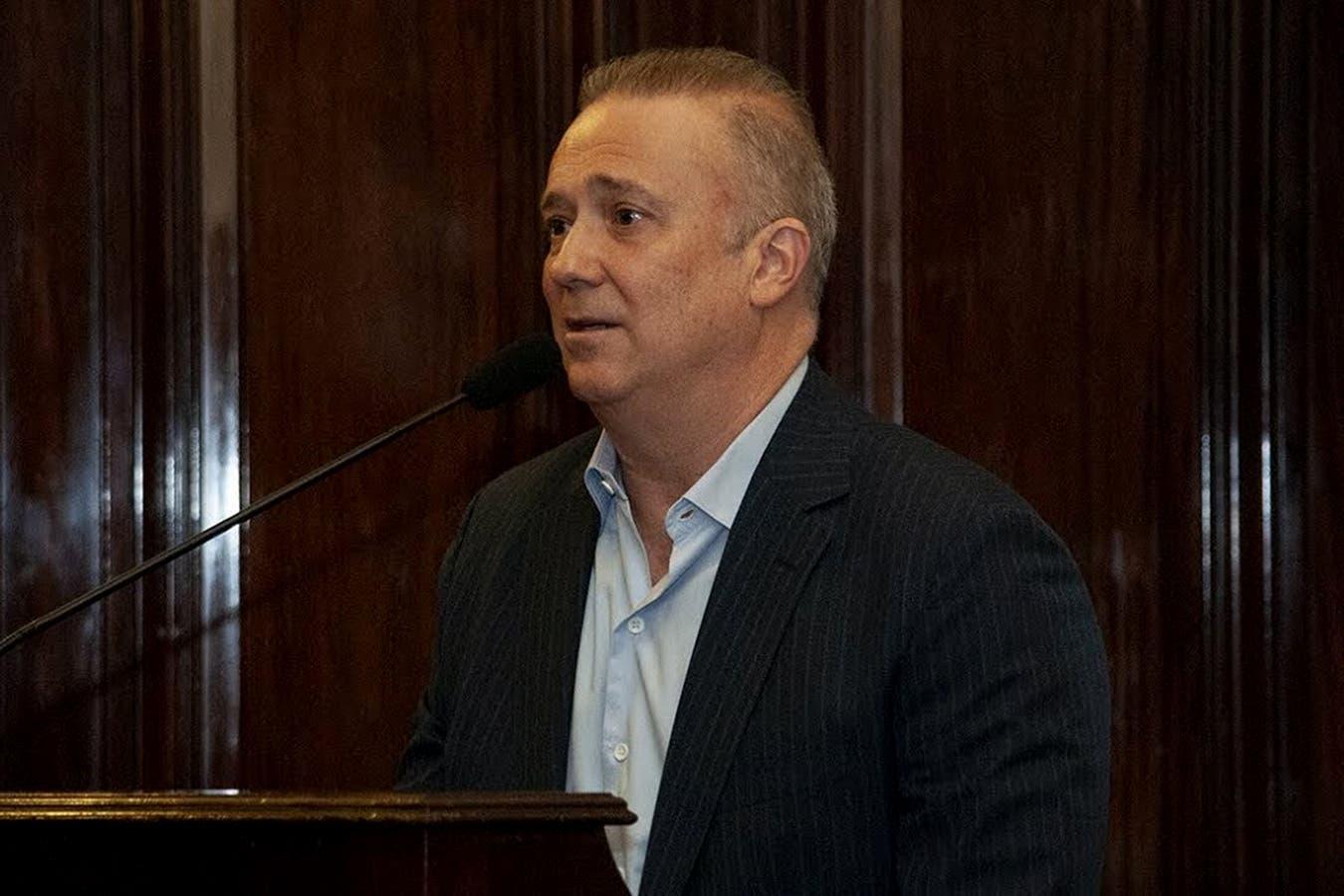 Para el constitucionalista Andrés Gil Domínguez, la Comisión es inconstitucional, tanto por sus facultades como por la forma en que fue creada