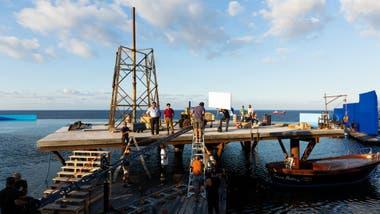 Para la película, la isla fue recreada en una piscina infinita en Malta