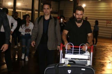 El actor llegó esta mañana a Ezeiza, y fue recibido por los fans que lo esperaban en el aeropuerto