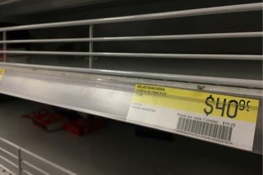 En algunos supermercados se agotaron rápidamente las velas