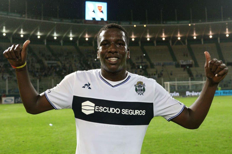 ¿Genoa o Boca? Gimnasia confirma la aprobación de una oferta por Hurtado y se profundiza el conflicto