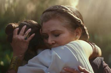 A pesar de haber muerto antes del comienzo del rodaje de este Episodio IX, Abrams usó material inédito de películas previas para poder darle un cierre a la historia de Leia Organa