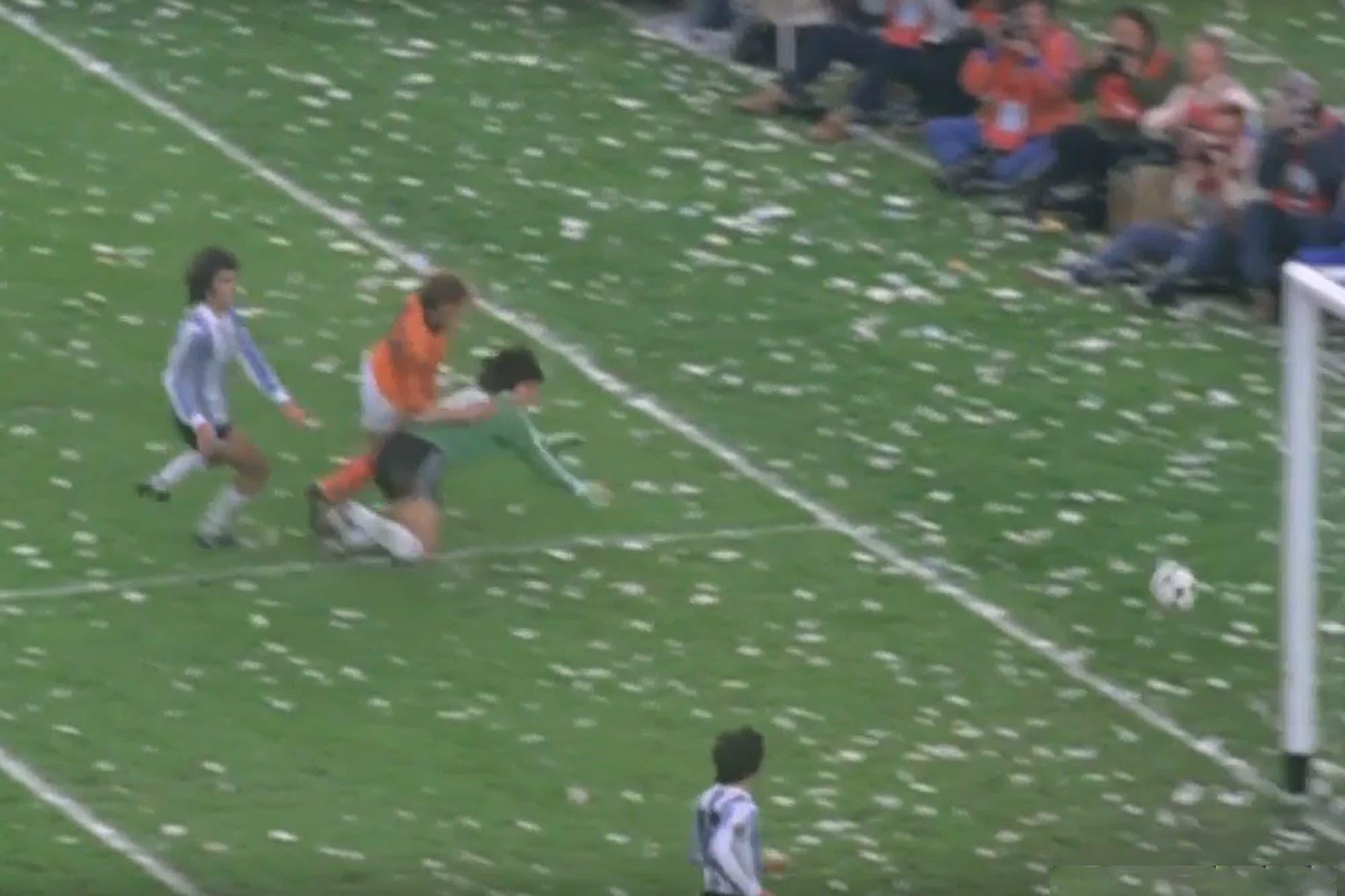 Murió Rensenbrink, el holandés del tiro en el palo en la final del Mundial 78