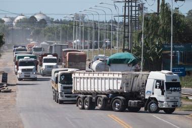 Según el sector, la operatividad del transporte de carga es más cara hoy que hace seis meses atrás, cuando se cerró la última negociación del 19,5% de incremento con las entidades del campo