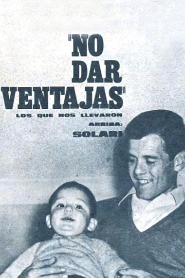 El Indio Solari, con su hijo Jorgito en brazos, en una nota de 1966 en la revista El Gráfico.