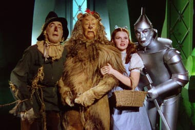 "El Mago de Oz, de Victor Fleming, donde Judy Garland interpreta la inolvidable ""Over the Rainbow"""